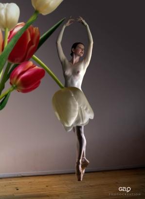 Dancer girl by Gonzalo Villar