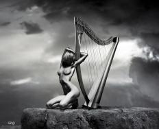 Ref: GZLo - 901. Top Harp: 21cm x 17cm - Art Work: Gonzalo Villar - Model: Chucha - Photo model: Pavel Vinogradov -