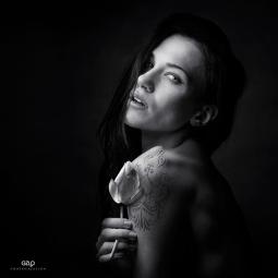 Photocreation: Gonzalo Villar - Model: Anhen Model - Photo: Yuri Krylov