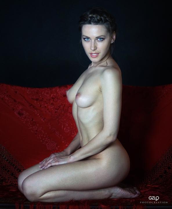 Olga de rodillas by GZLo